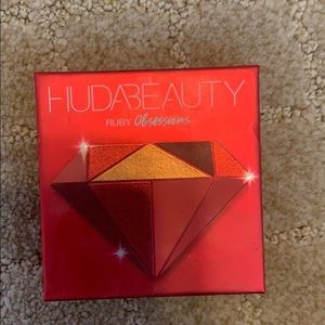 (Used) Huss Beauty Ruby Obsessions Palette